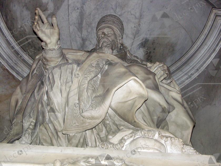 Statue de marbre en contre-plongée - Italie
