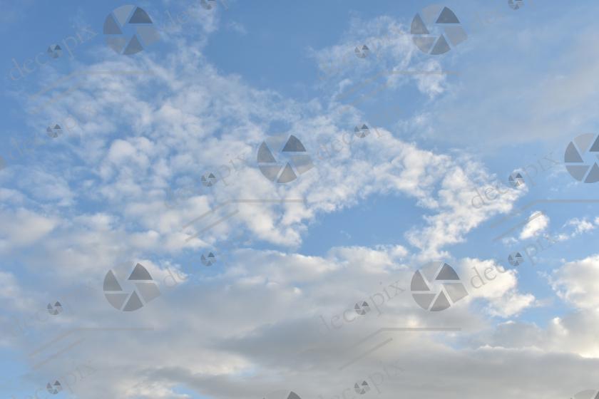 Cumulus et altocumulus lumineux