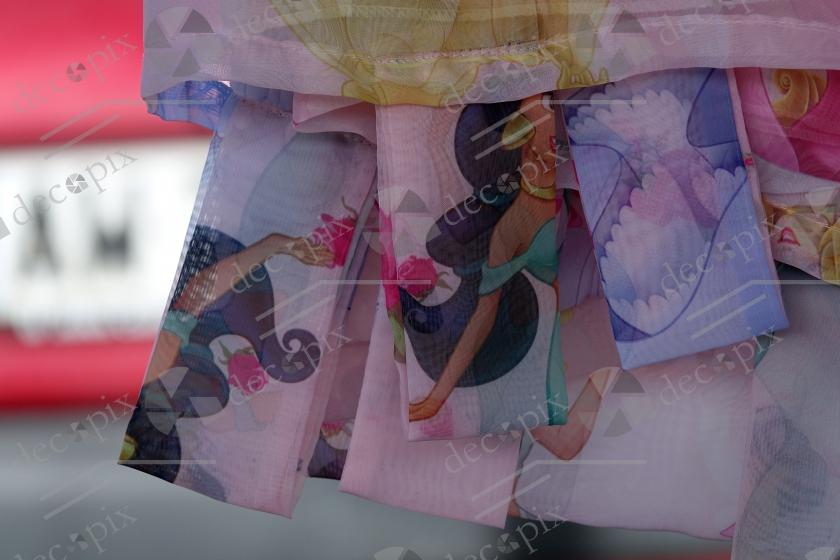 Tissus imprimés aux couleurs claires